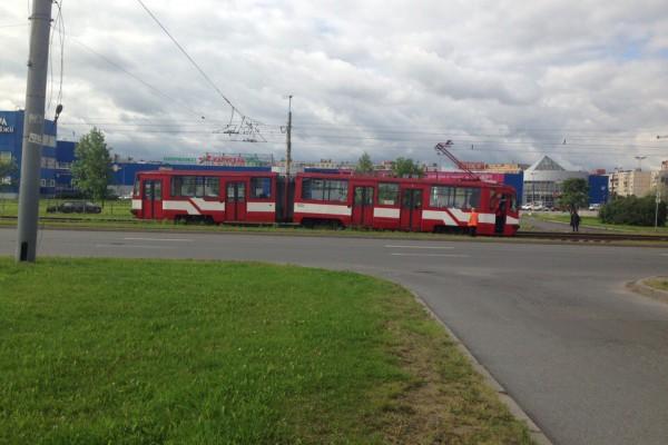 Сошедший с рельсов трамвай заблокировал трамвайное движение в Купчино — Агентство Бизнес Новостей — Ремонт дома